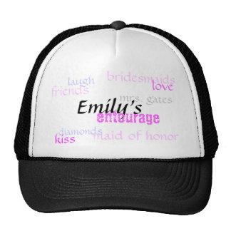 Emily, séquito, damas de honra, amor, diamantes… boné