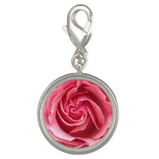 Encante com fim acima da foto do rosa do rosa pingentes
