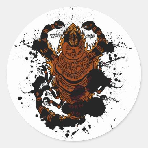 Encanto do escorpião adesivo redondo