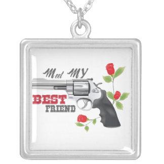 Encontre meu melhor amigo uma arma com rosas
