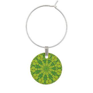 Enfeite De Taças De Vinho Flor feminino da mandala do caleidoscópio verde