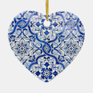 Enfeites de natal azuis do coração de Azulejo do