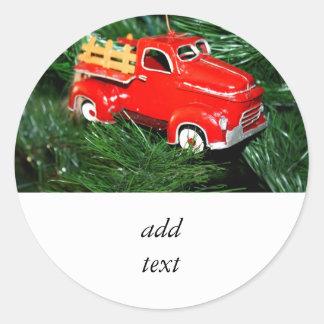 Enfeites de natal vermelhos 2 do caminhão adesivos em formato redondos