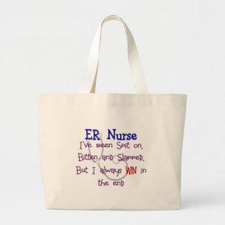 """Enfermeira """"CUSPE do ER no MORDIDO e no GOLPEADO """" Bolsas Para Compras"""