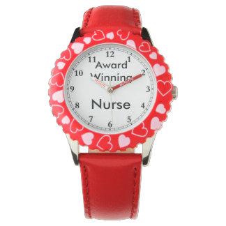 Enfermeira de vencimento do prêmio relógio
