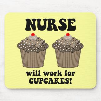 Enfermeira engraçada mousepads