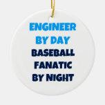 Engenheiro pelo fanático do basebol do dia em a enfeite de natal