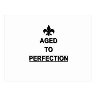 Engraçado envelhecido ao presente da perfeição cartão postal
