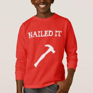 Engraçado pregado lhe camiseta