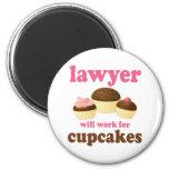 Engraçado trabalhará para o advogado dos cupcakes imas