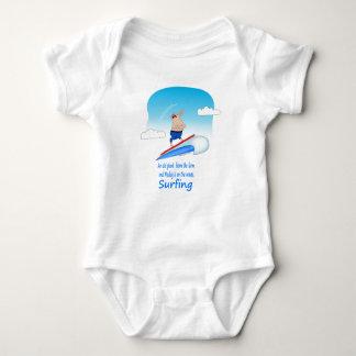 Enlameado nas ondas body para bebê