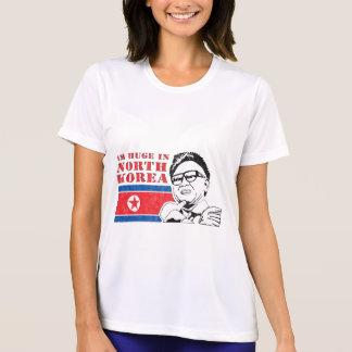 enorme somente na Coreia do Norte - Kim Jong-il Camiseta