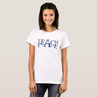 Ensine a camisa branca de voo do slogan da pomba