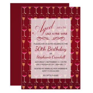 Envelhecido como o convite de aniversário do vinho