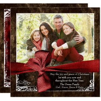 Envolvido em cartões de Natal da foto do amor