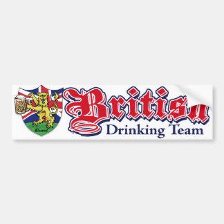 Equipe britânica do bebendo adesivo