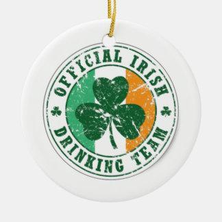 Equipe irlandesa oficial do bebendo ornamento de cerâmica redondo