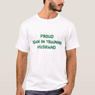 Equipe orgulhosa no marido do treinamento camiseta