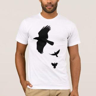 Esboços pretos dos corvos camiseta