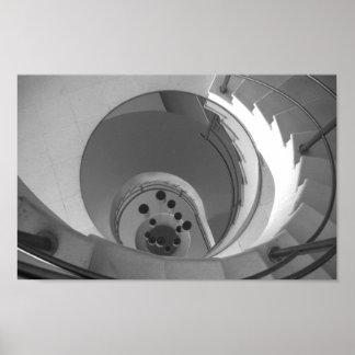 Escadaria espiral da foto preto e branco poster