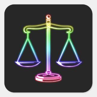Escalas de incandescência coloridas de justiça adesivo quadrado