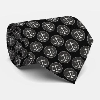 Escalas do advogado do teste padrão | de justiça gravata