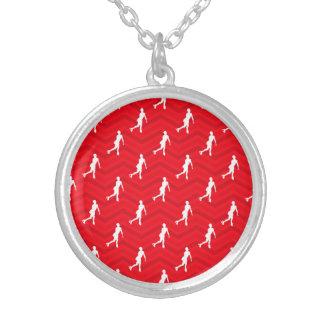 Escarlate vermelho, branco, Chevron, patinagem art Colar Personalizado