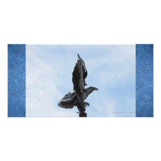 Escultura de Eagle Congelado em vôo Cartoes Com Fotos