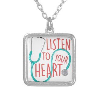 Escute o coração colar banhado a prata