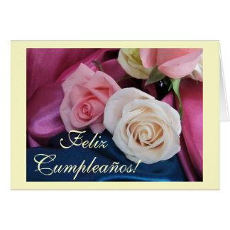 Espanhol: Aniversário/Cumpleanos: rosas do seda y Cartão Comemorativo