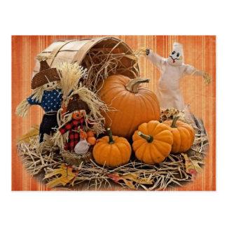 Espantalhos da colheita e cartão do fantasma cartão postal