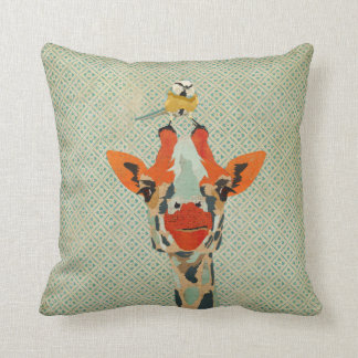 Espreitando o girafa & o travesseiro pequeno de