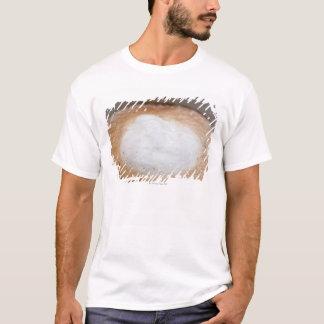Espuma no cappuccino, fim-acima camiseta