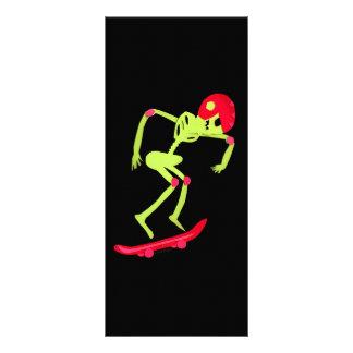 Esqueleto no marcador do Dia das Bruxas do skate 10.16 X 22.86cm Panfleto