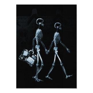 Esqueletos de viagem da visão do raio X do casal - Convite Personalizado