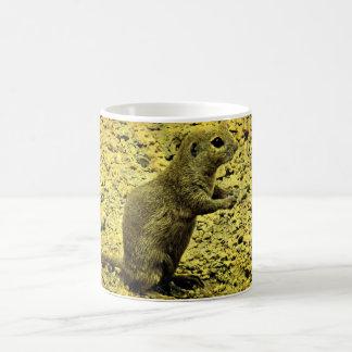 Esquilo à terra no copo de café do Grunge Caneca De Café