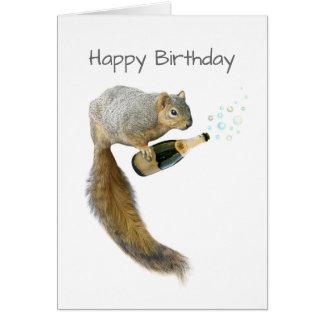 Esquilo com o cartão de aniversário de Champagne