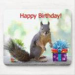 Esquilo do feliz aniversario mouse pad