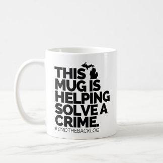 Esta caneca está ajudando resolve um crime |