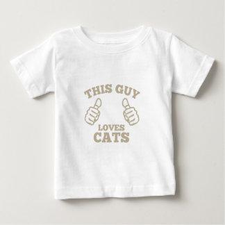 Esta cara ama gatos camiseta para bebê