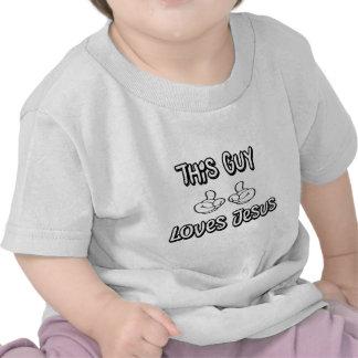 Esta cara ama Jesus Tshirts