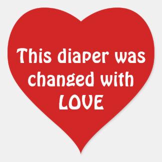Esta fralda foi mudada com AMOR Adesivo Coração