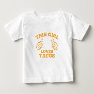 Esta menina ama o Tacos Camiseta Para Bebê