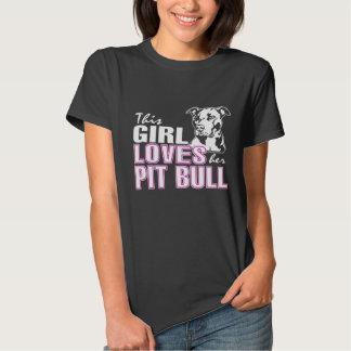 Esta menina ama seu PITBULL T-shirts