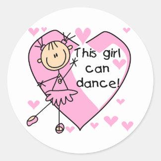 Esta menina pode dançar t-shirt e presentes adesivos em formato redondos