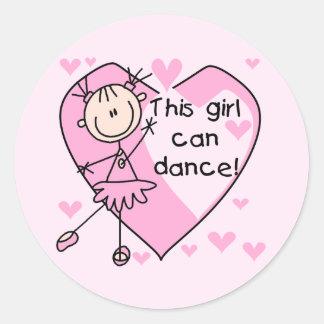 Esta menina pode dançar t-shirt e presentes adesivo em formato redondo
