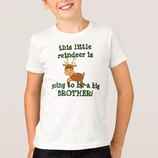 esta rena pequena está indo ser um big brother! camiseta
