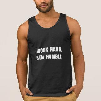 Estada dura do trabalho humilde