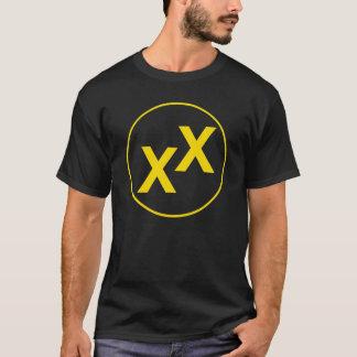 Estado amarelo de camisa do preto da Dobro-Cruz de