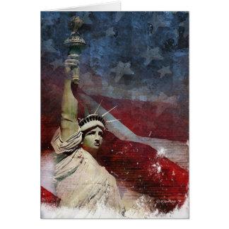 Estátua da liberdade e bandeira americana cartão comemorativo